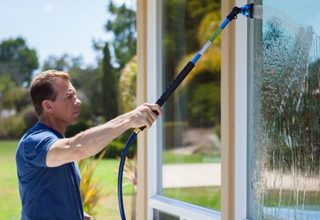 cleaning household windows